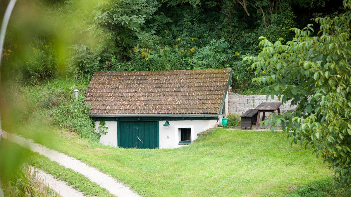 Keller Mitterstockstall